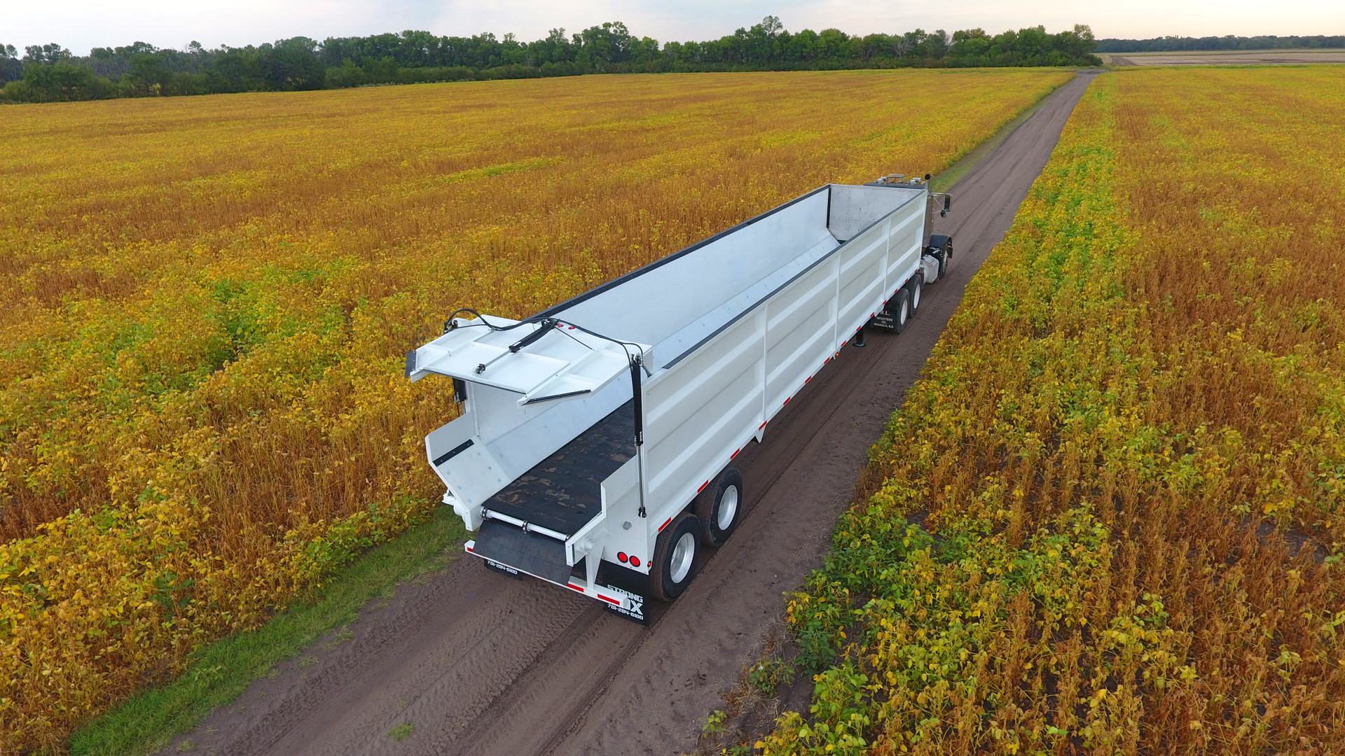 Strong Box Semi Trailer 2.jpg