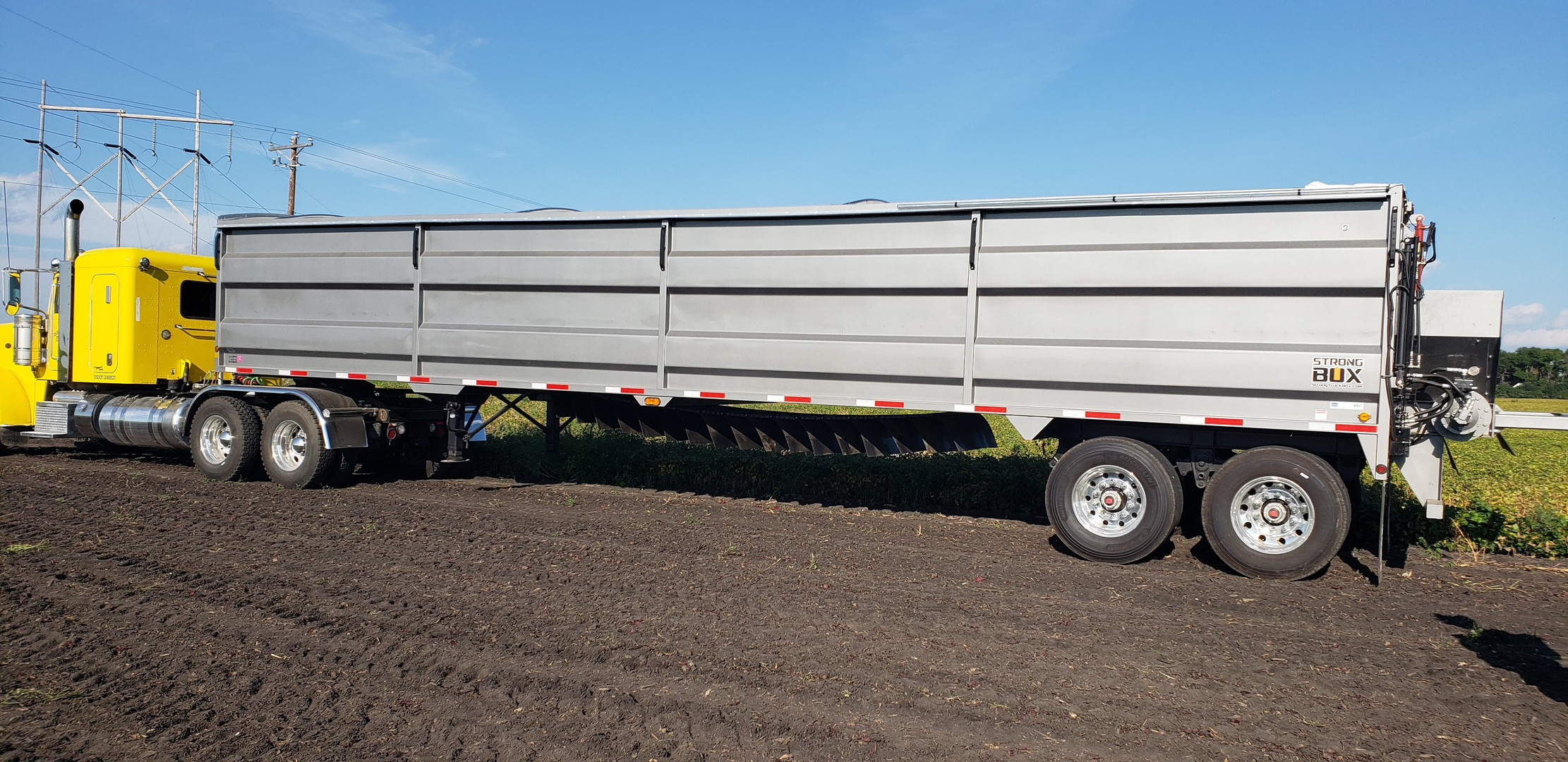 Strong Box Live Bottom Semi Trailer