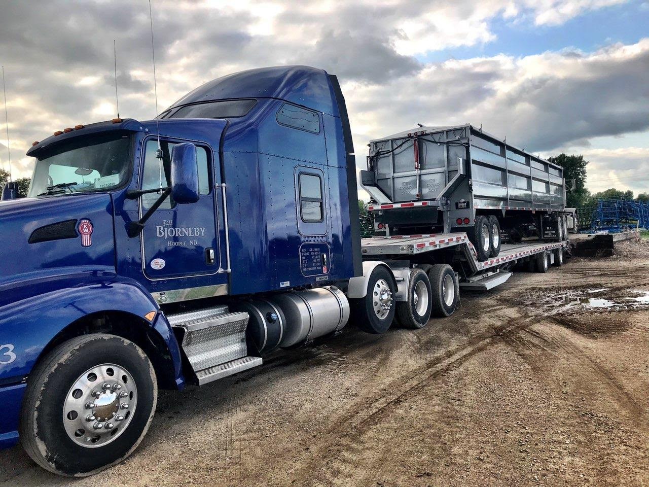 Strong Box Live Bottom Semi Trailer Sugar Beets