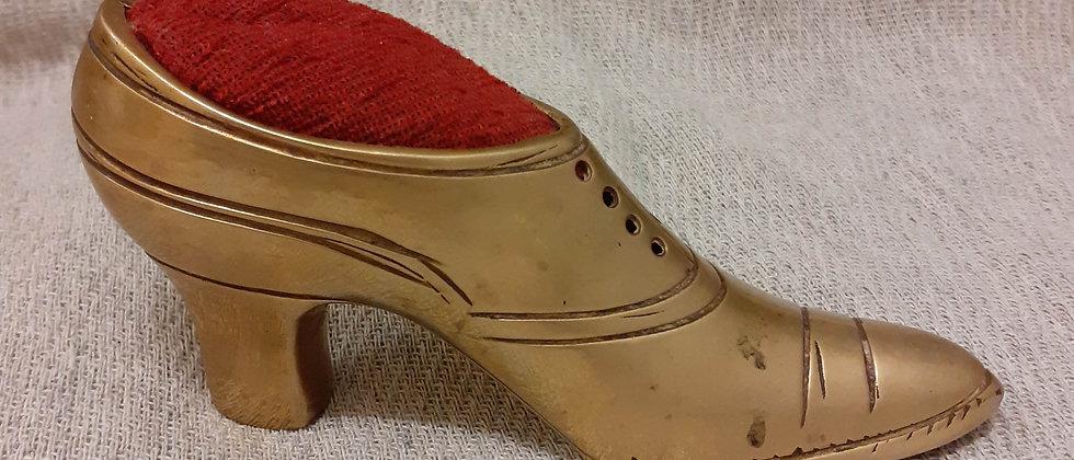 Brass shoe pin cushion
