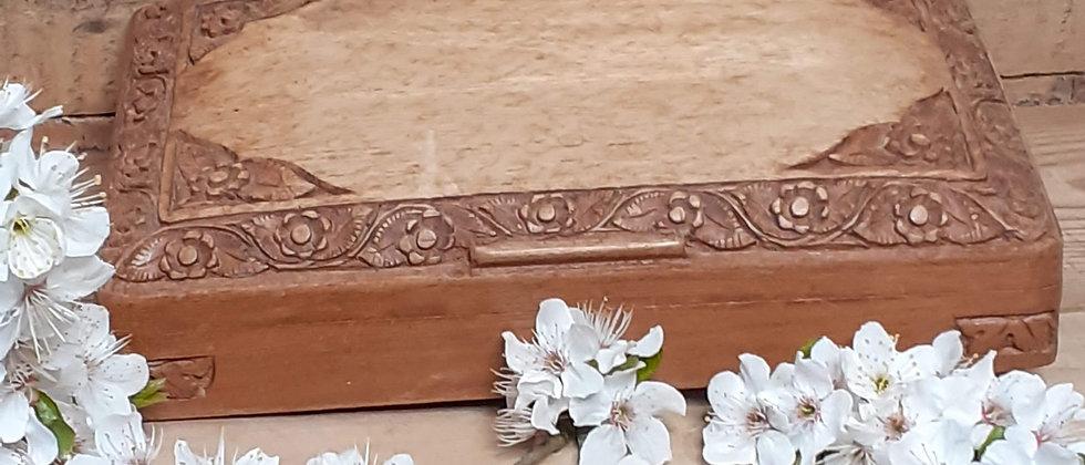 Carved cigarette/card box