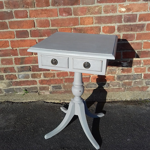 Lamp/Occassional table with 2 Drawers