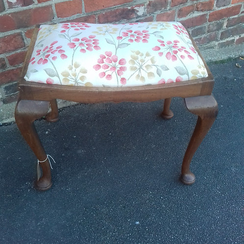 Piano / dressing table stool