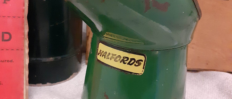 Halfords oil can