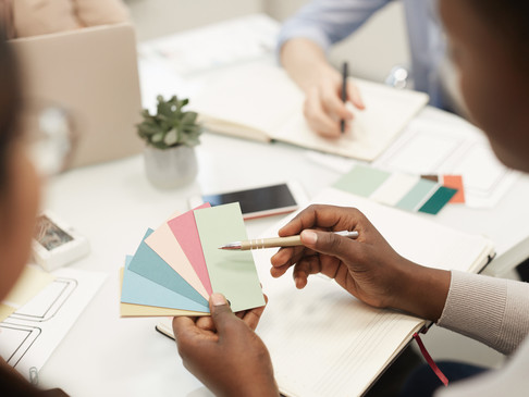 6 Significant Reasons to Hire a Brand Designer