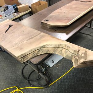 Slotting the edge for metal