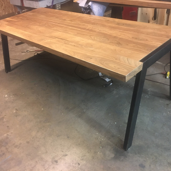 Bespoke Computer Table - Project Dynamics