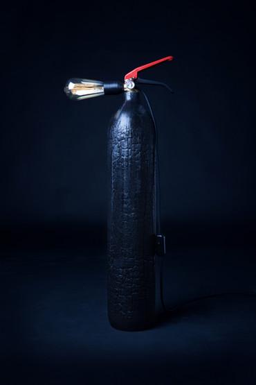 Lampe Extincteur Industrielle Bois brûlé - BLACK SHEEP