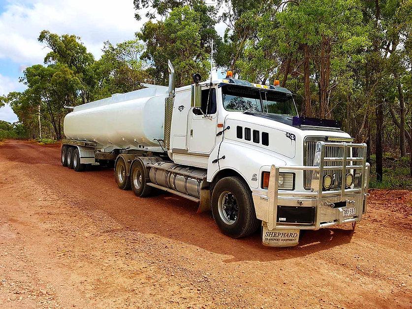 semi water tanker.jpg