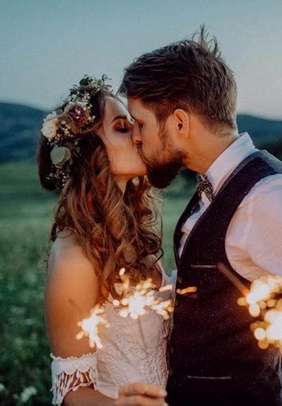weddingcouplebridegroommarried.webp