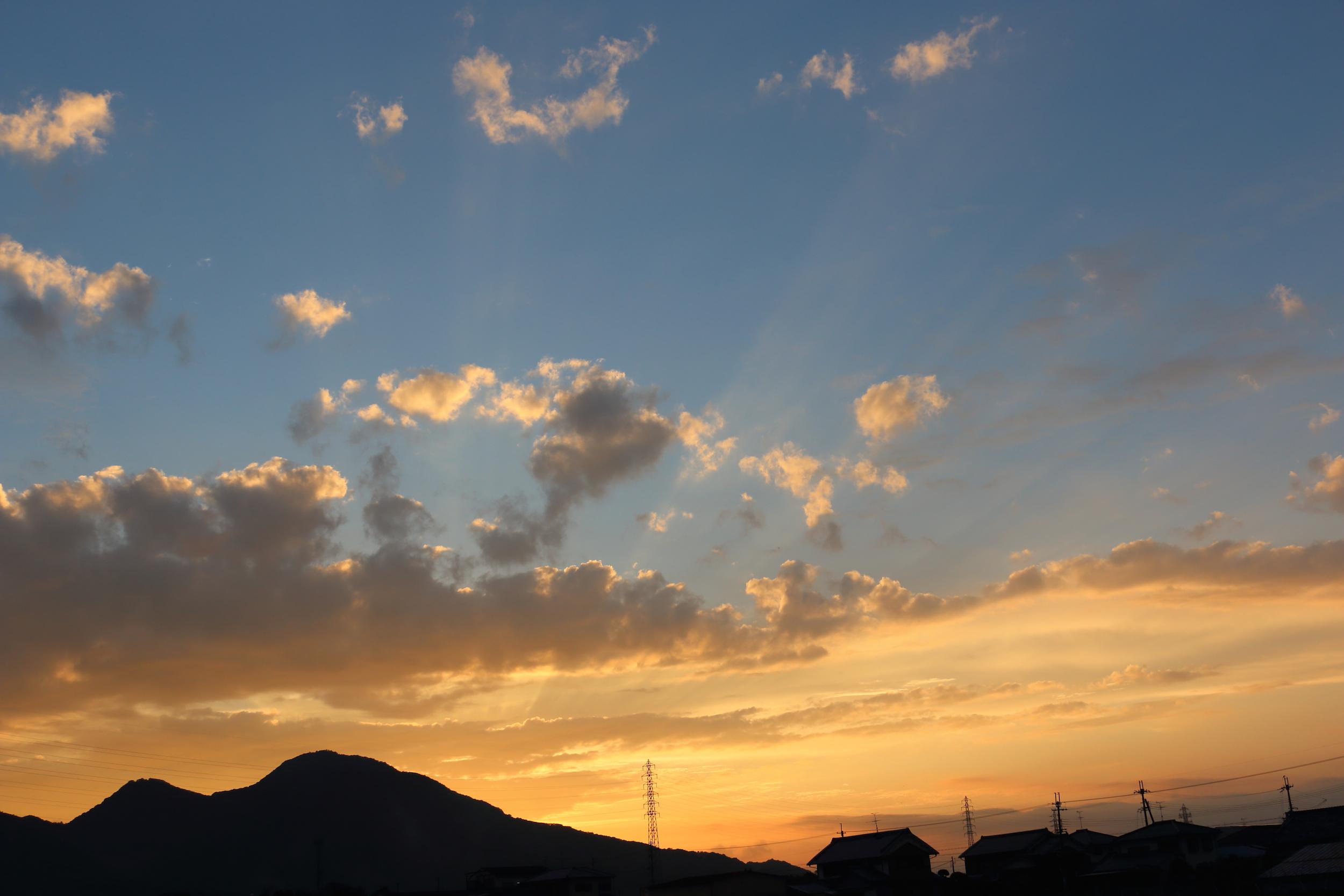 『二上山夕景』