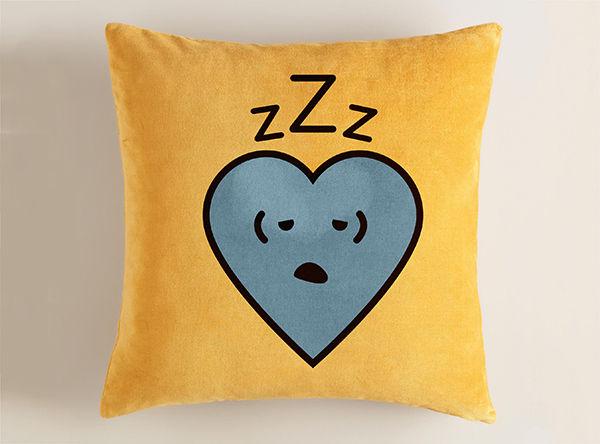 illust-hearts_sloth-pillow.jpg