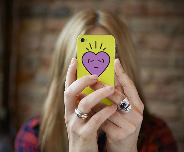 illust-hearts_pride-phone.jpg