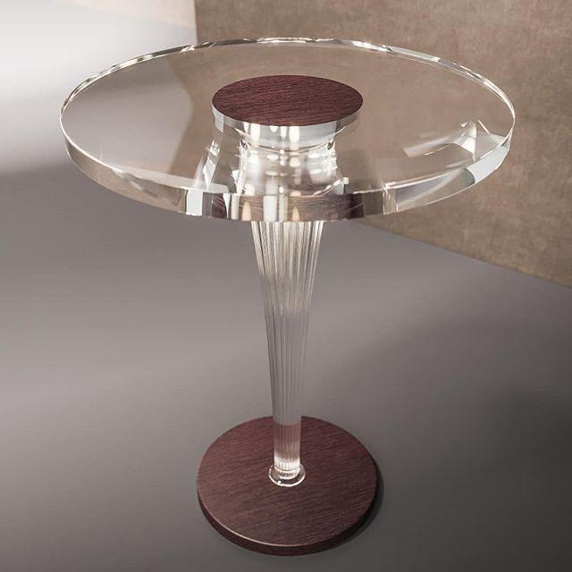 Кофейный стол с прозрачной столешницей и