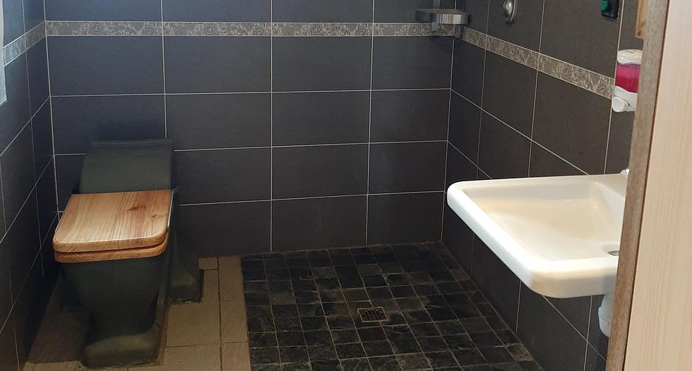 Sanitaire 2.jpg