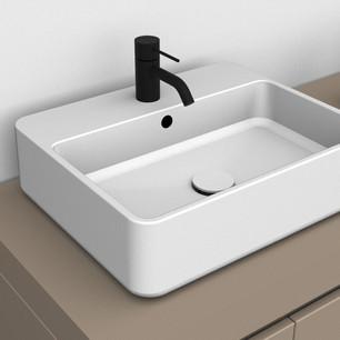 COMP. 05 Particolare lavabo Kur in appoggio in ceramica da cm 60 x 42 x h 12.