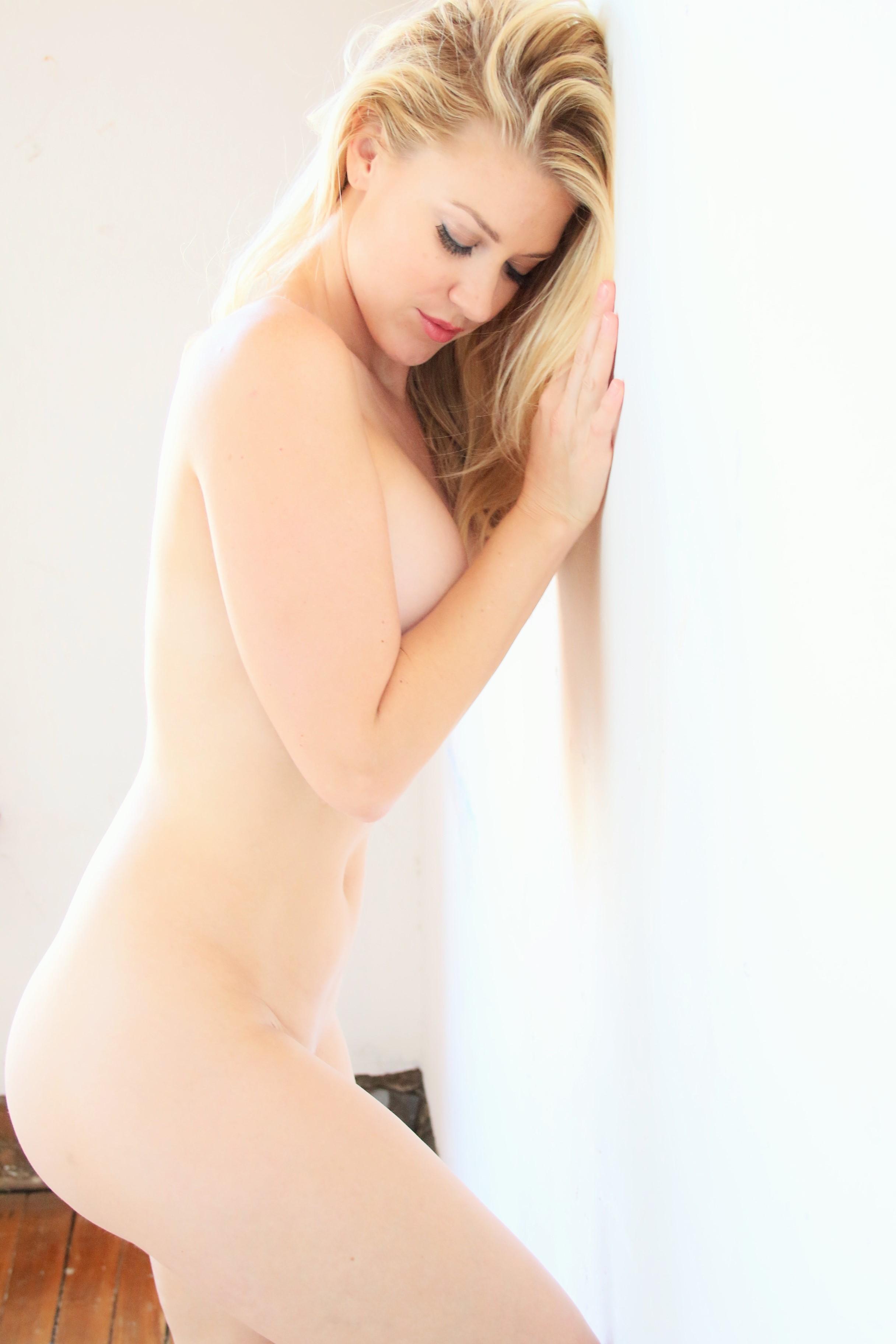 Julie Ernes