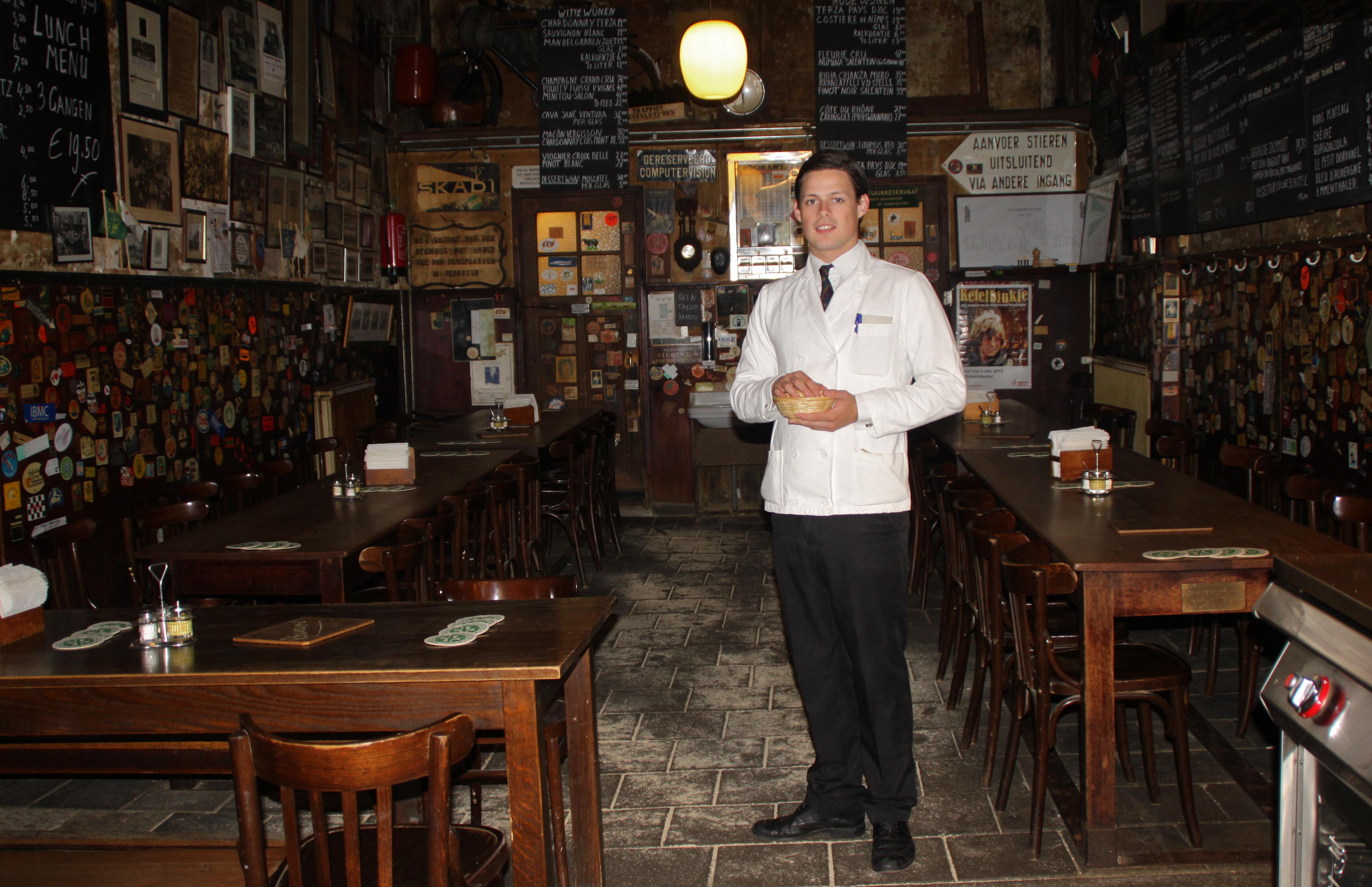 Waiter / Ober in de Pijp-Rotterdam