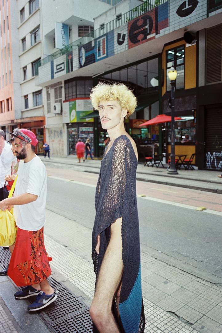 Ana Matheus Abbade veste Daniel Albuquerque  foto: Matheus Chiaratti