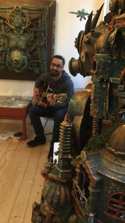 Musician Marat playing at the Nautilus event