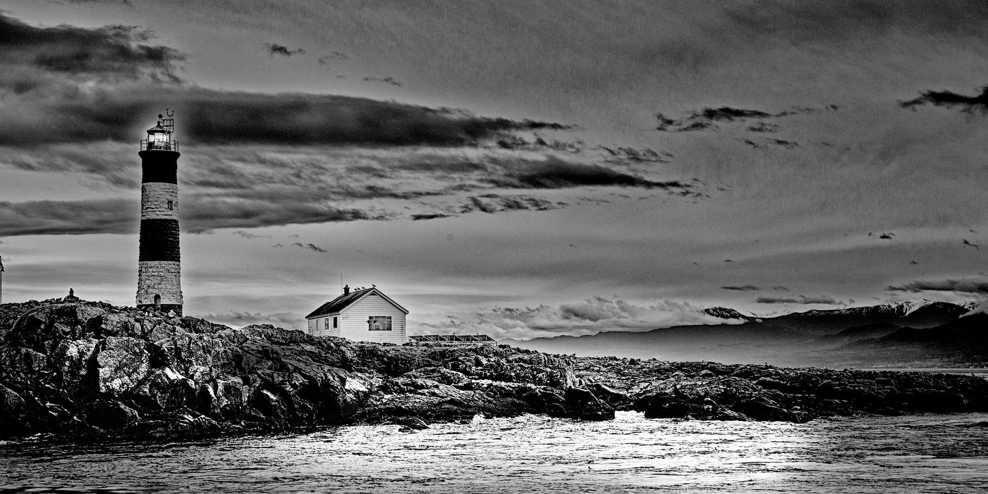Victoria Lighthouse B/W