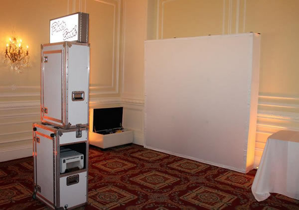 Open Air or Enclosed Photobooth