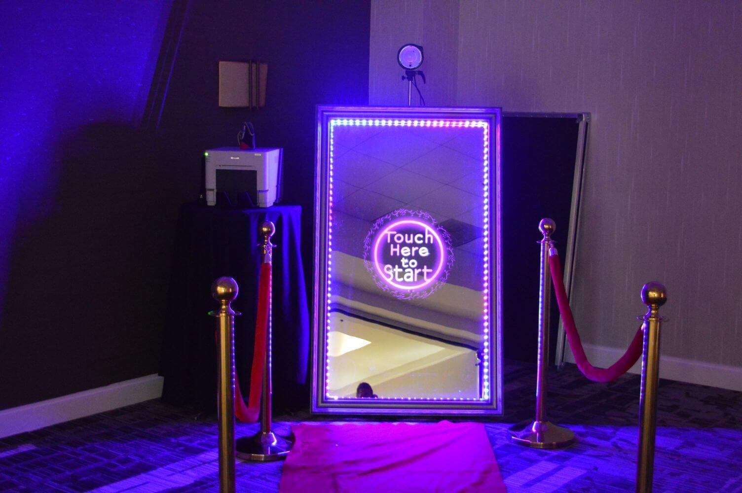 Magic Mirror Selfie Photobooth