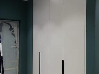 Шкафы с интегрированными ручками