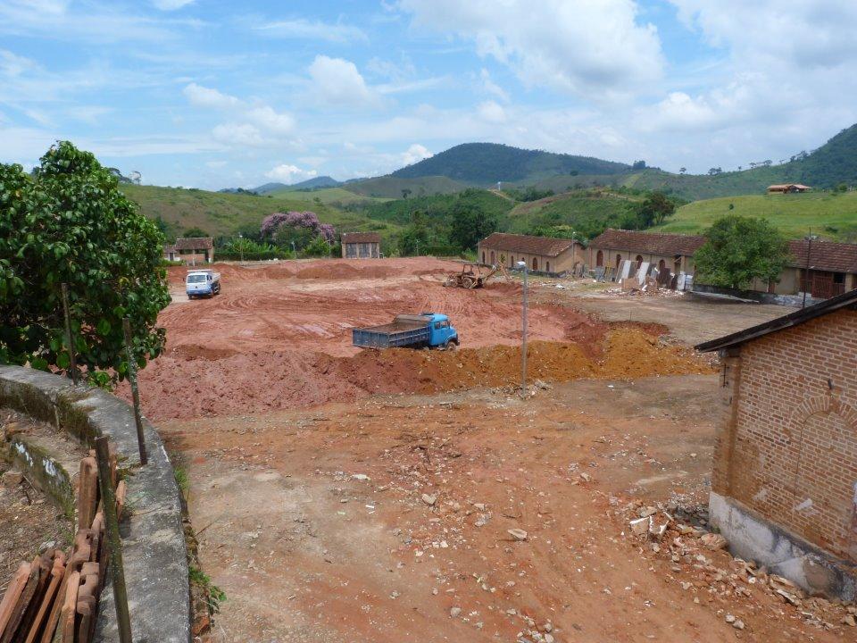 Início das obras para construção do galpão do CE
