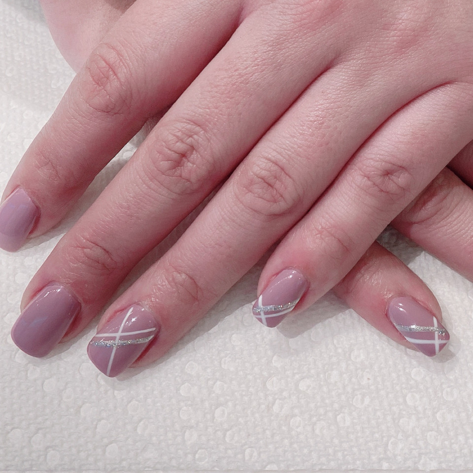 Gift Wrapped Manicure