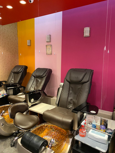Westport Pedicure Chairs with Partitions 2