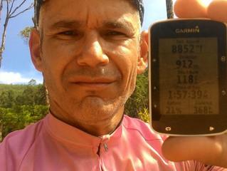"""O ciclista brasileiro que """"escalou"""" o Everest"""