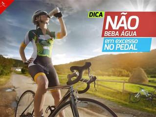 Quanto você bebe de água ou outros líquidos durante o pedal?