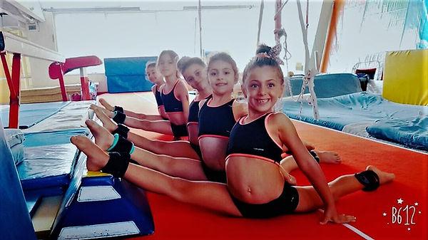 OlimPark Jimnastik Okulu, sadece Jimnastik dersleri için tasarlanmış ve düzenlenmiştir, Tüm antrenörlerimiz profesyonel olarak jimnastik sporunu yapmış ve Türkiye Cimnastik federasyonuna kayıtlıdır, Antreman net kullanım alanımız 600 m2 dir, Tüm jimnastik dersleri tam bir güvenlikle ve risk içermeyecek şekilde planlanmıştır, Jimnastik okulu muzda iki minder, bir kasa ile Jimnastik dersi yapılmaz, Jimnastik Dersleri nde kullanılantüm ekipman Temel jimnastikekipmanından başlayıp, Olimpik Alet normlarına kadar yayılan çeşitliliktedir.   jimnastik kursu,jimnastik dersi,jimnastik okulu, jimnastik, çocuk jimnastiği,3 yaş jimnastik,jimnastik salonu,yetişkin jimnastiği,yetişkinler için jimnastik,dans dersleri