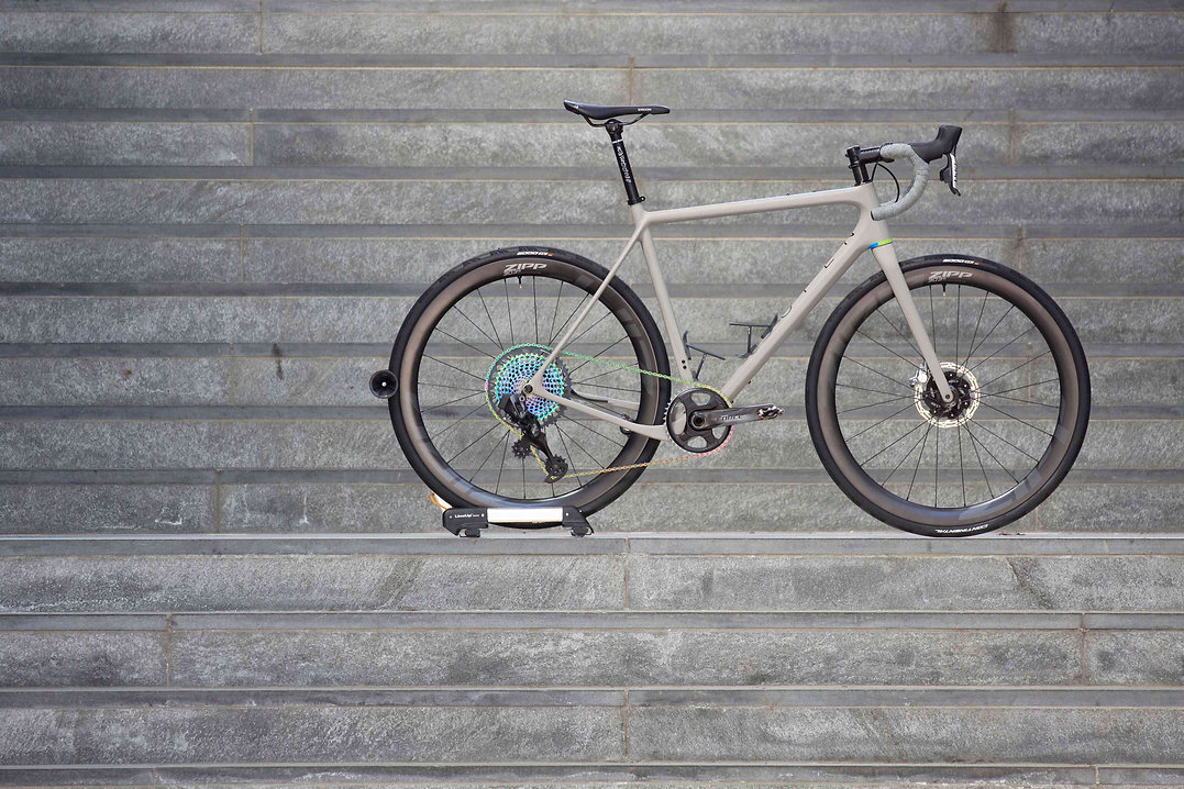 bikeambulance_Open_U.P._grey_red_Sram_ax