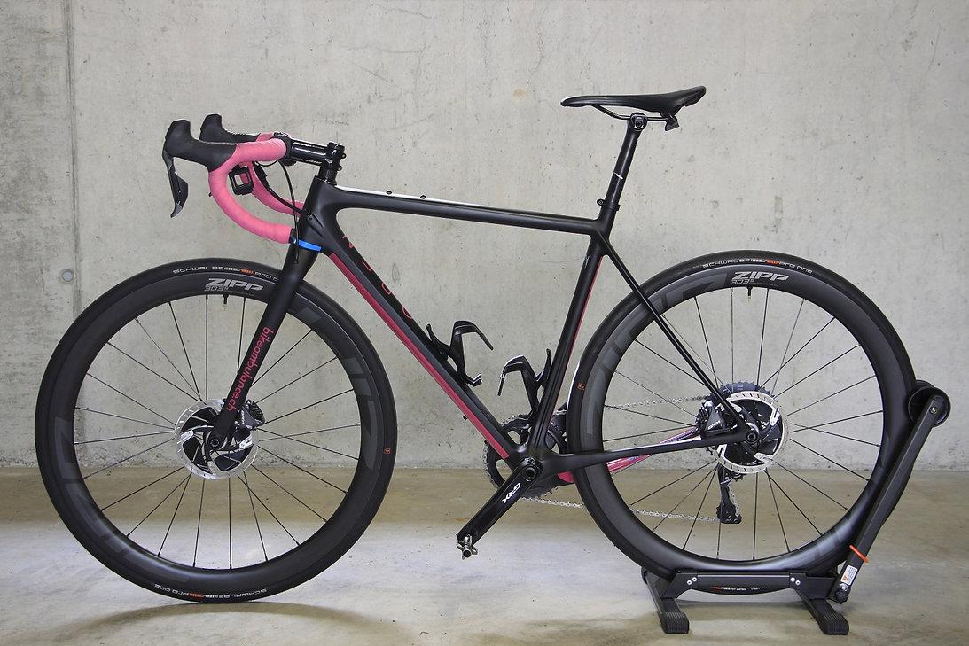 bikeambulance_Open_U.P._ZIPP303S_Schwalb