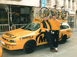 bike_ambulance_Michael_Suter_als_Mechani