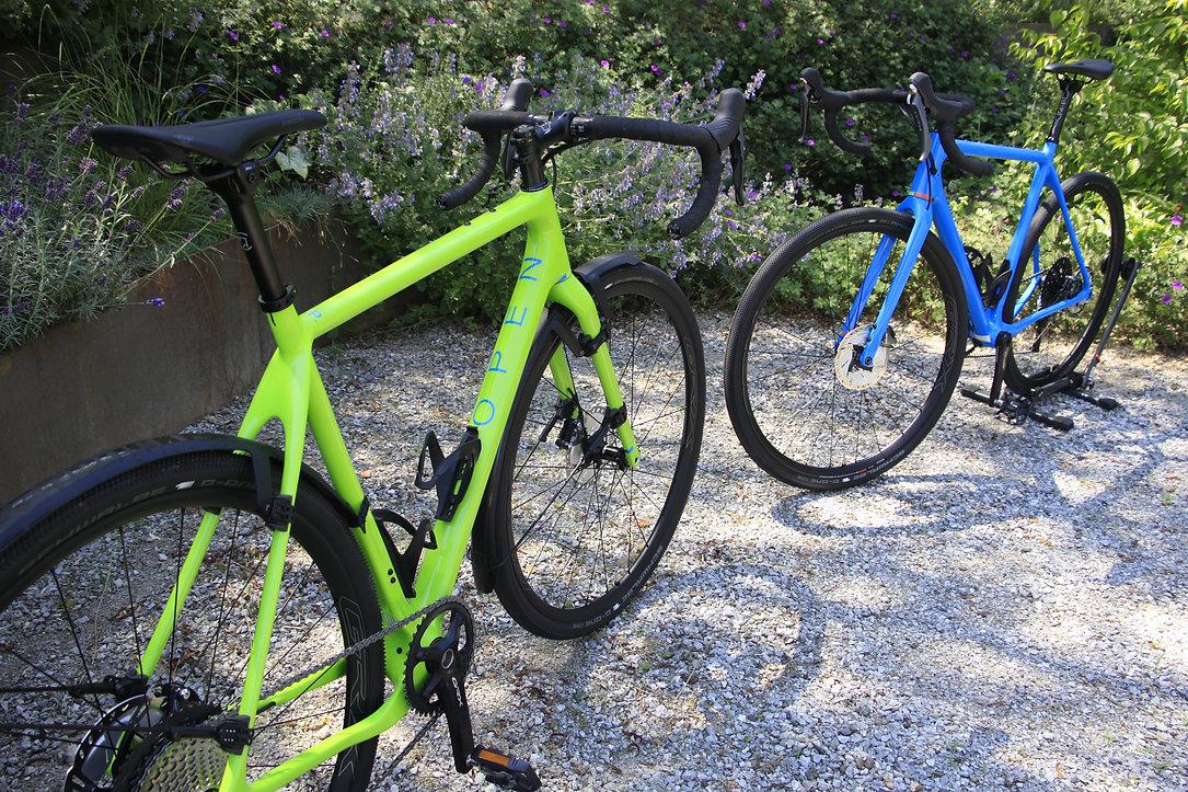 bikeambulance_Open_U.P._blue_green_twins