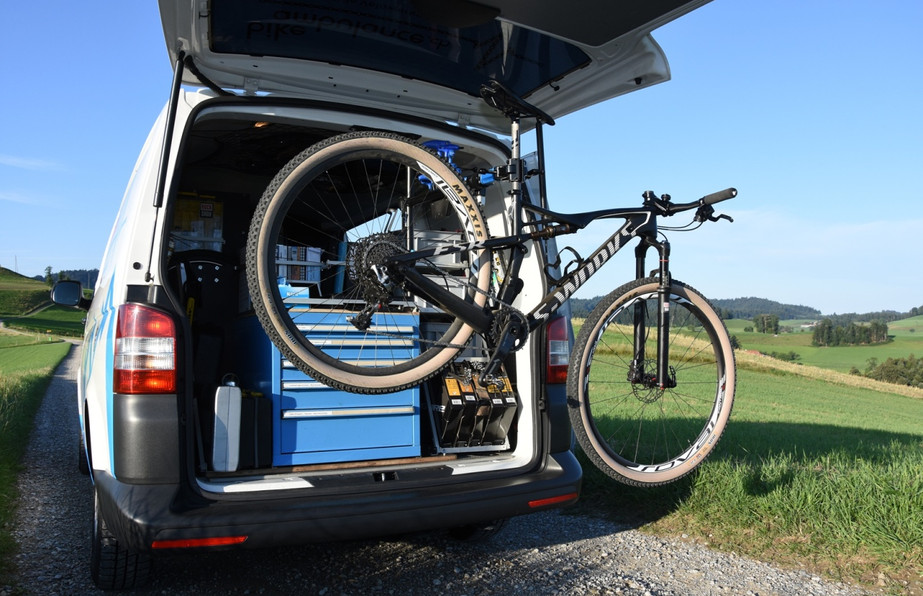 bikeambulance_Velo_Halter.JPG