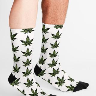 work-43704611-supplementary-u-socks.jpg