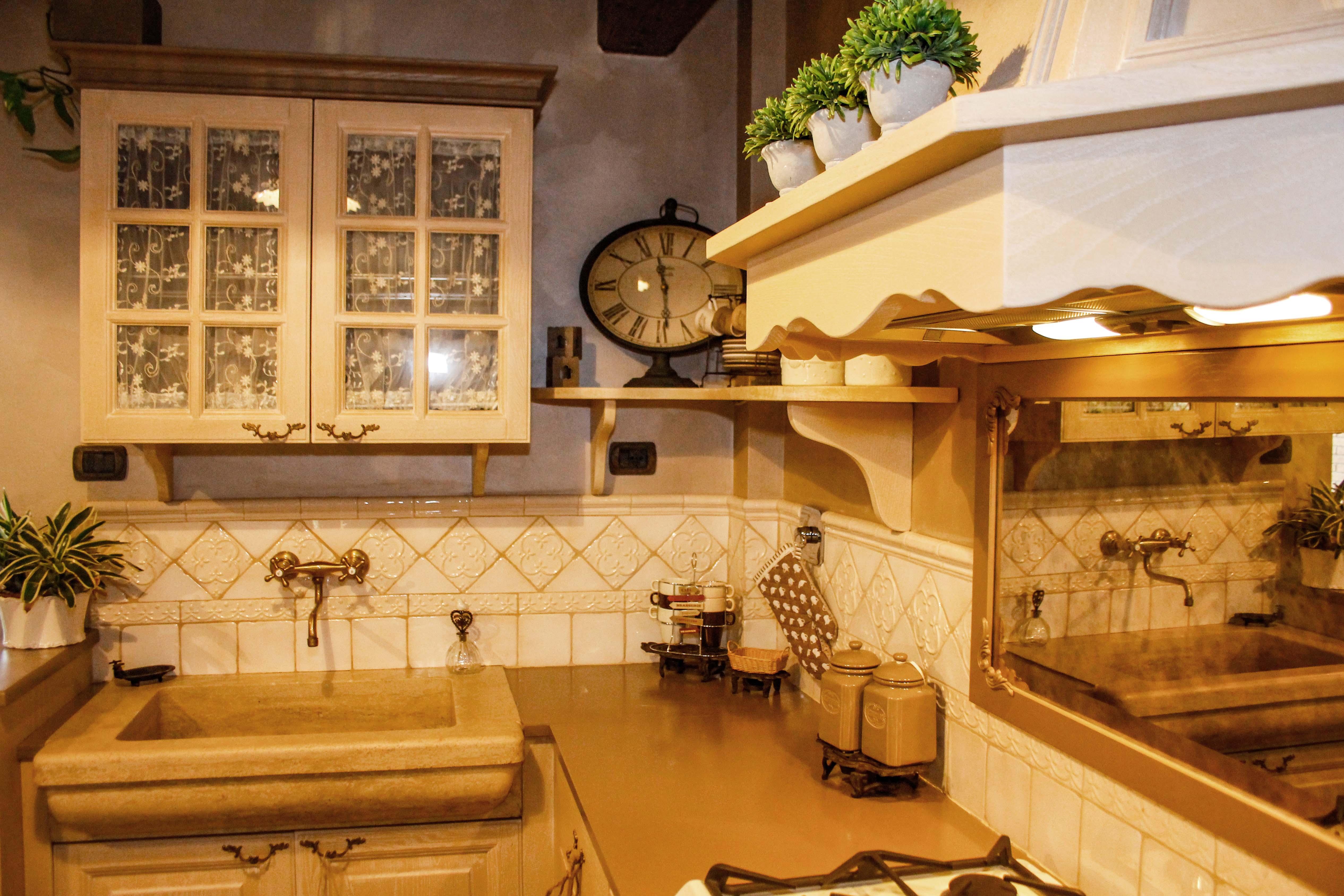 2-cucina country-su misura-cucina in leg