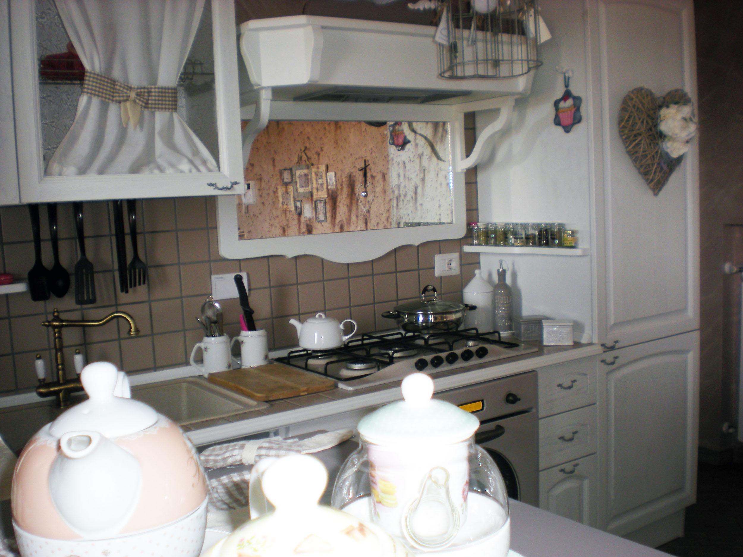 cucina su misura provenzale roma falegnameria 5