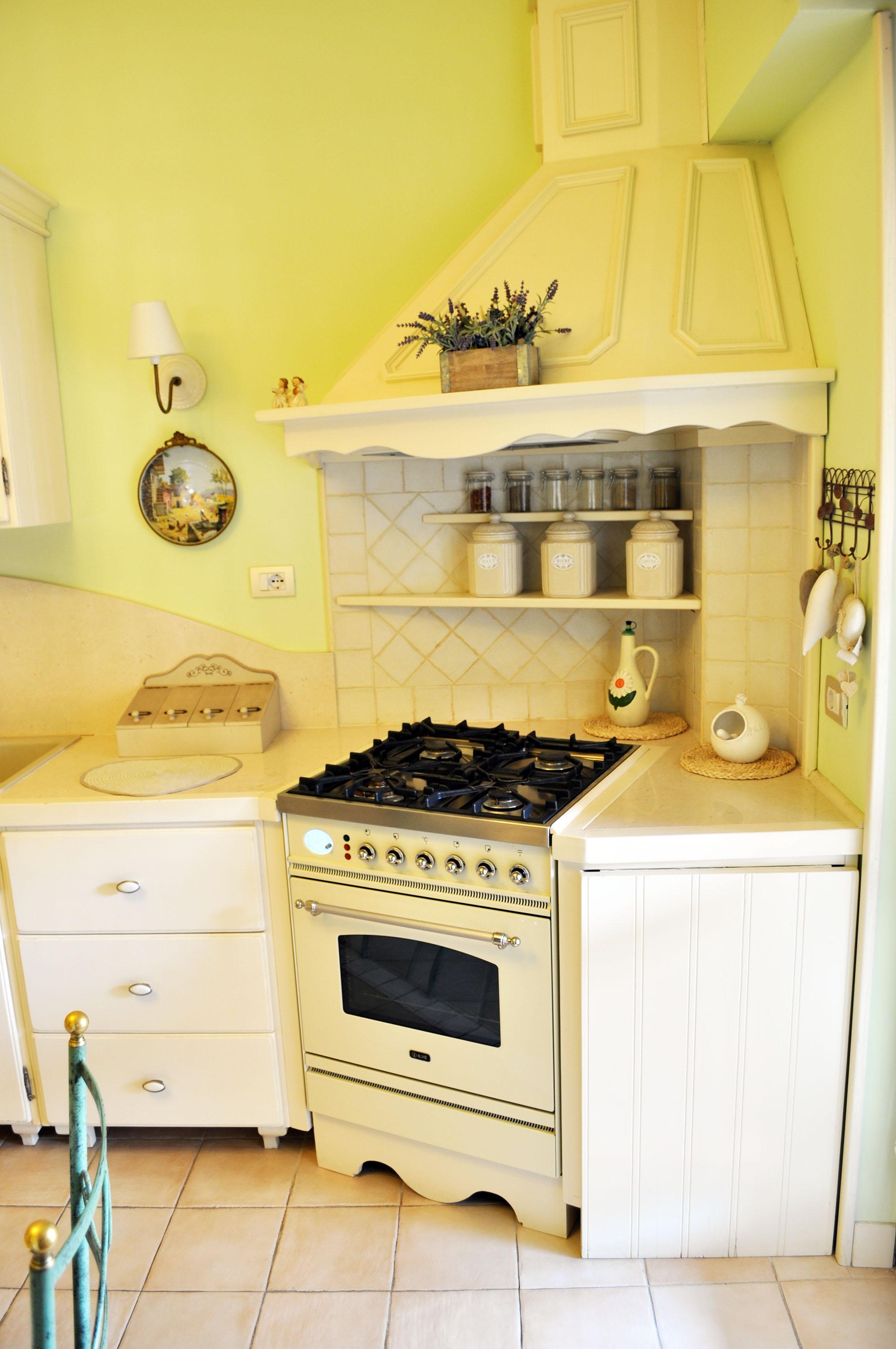 cucina provenzale roma falegnameria su misura 3