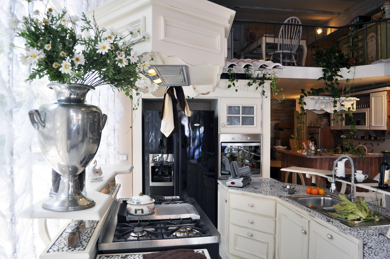 cucina provenzale su misura roma falegnameria 2