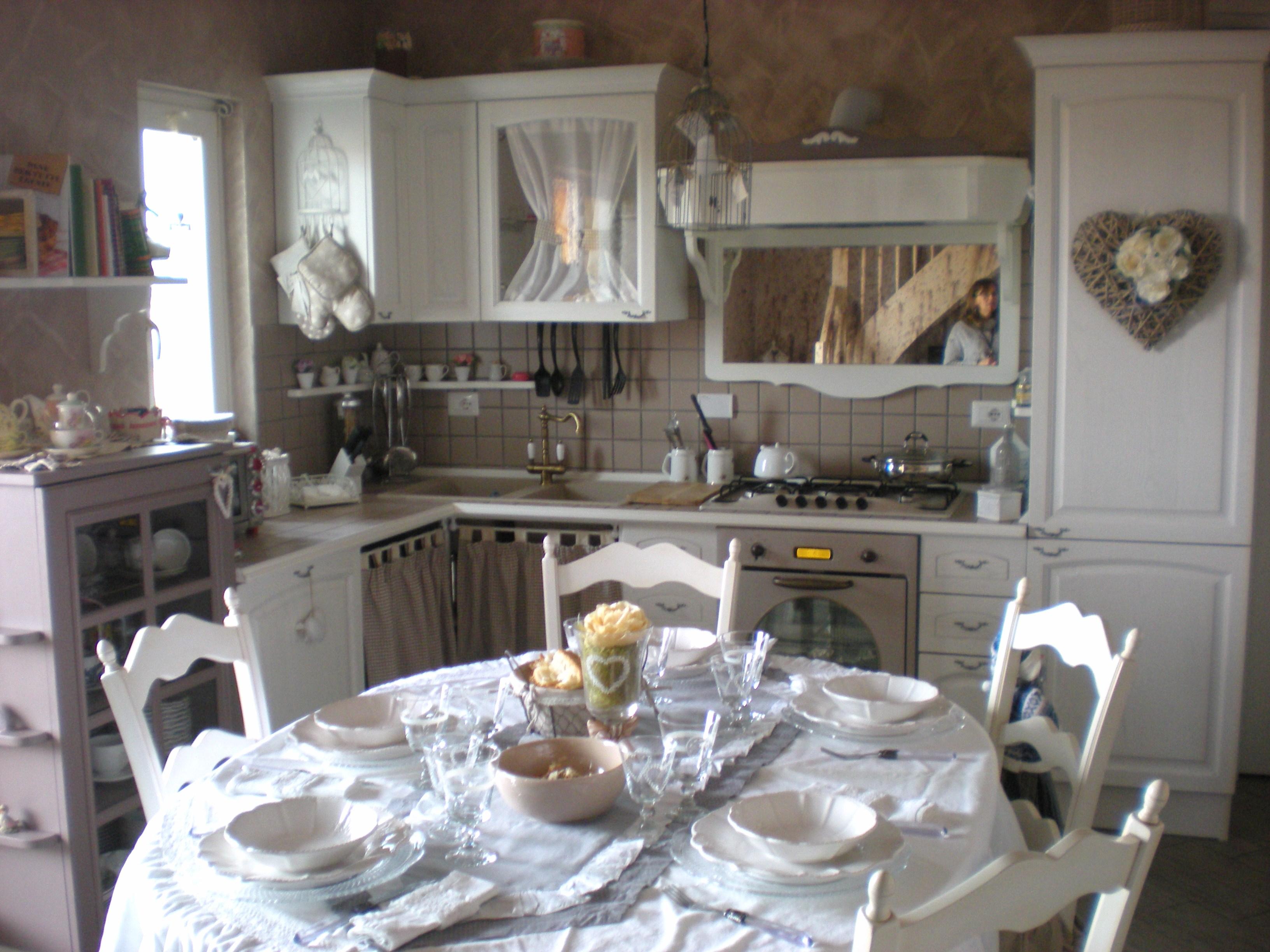 cucina provenzale-falegnameria su misura