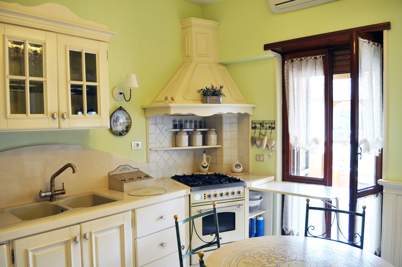 cucina provenzale roma falegnameria su misura 6