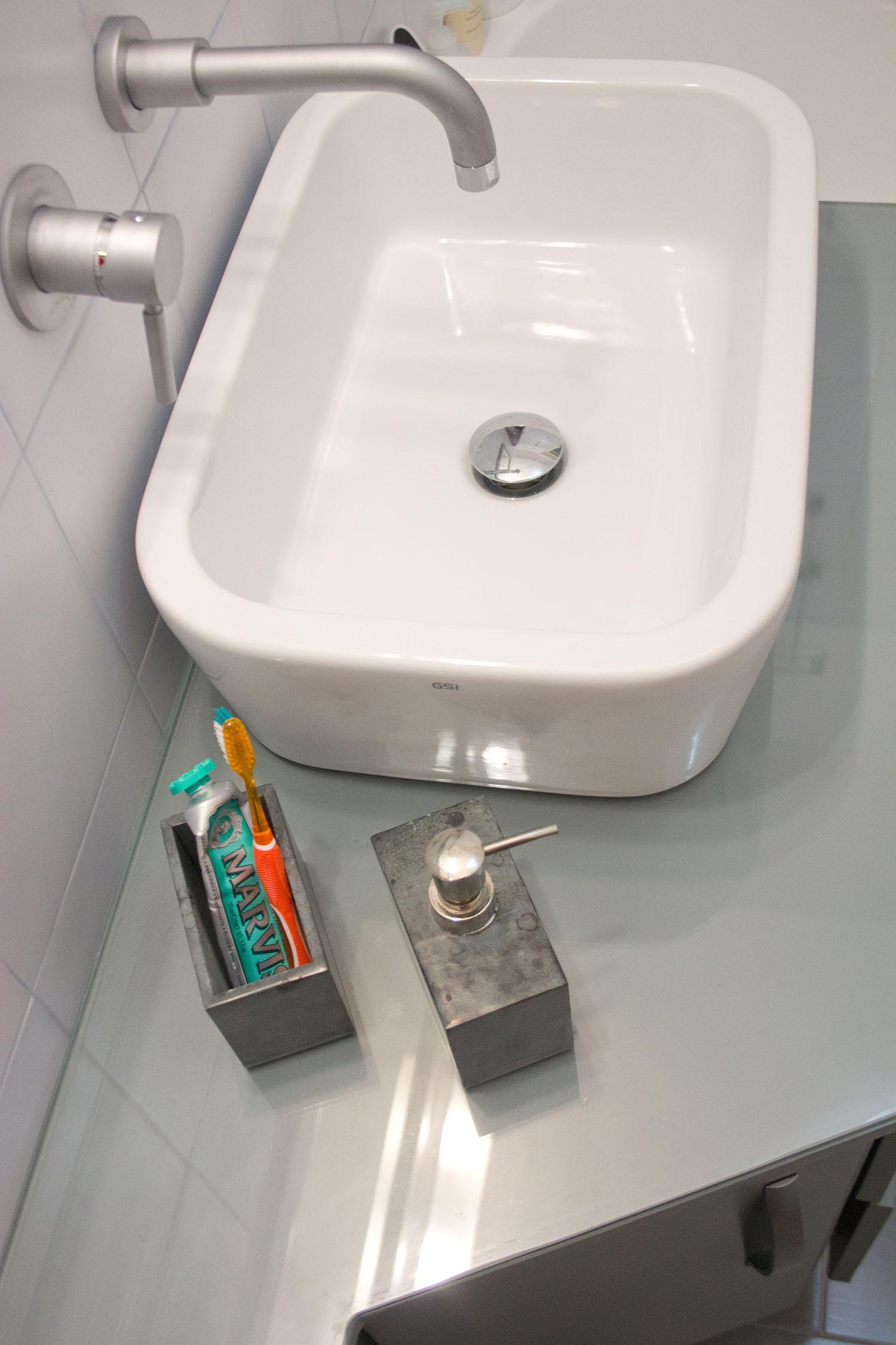 sala da bagno roma su misura falegnameria 2