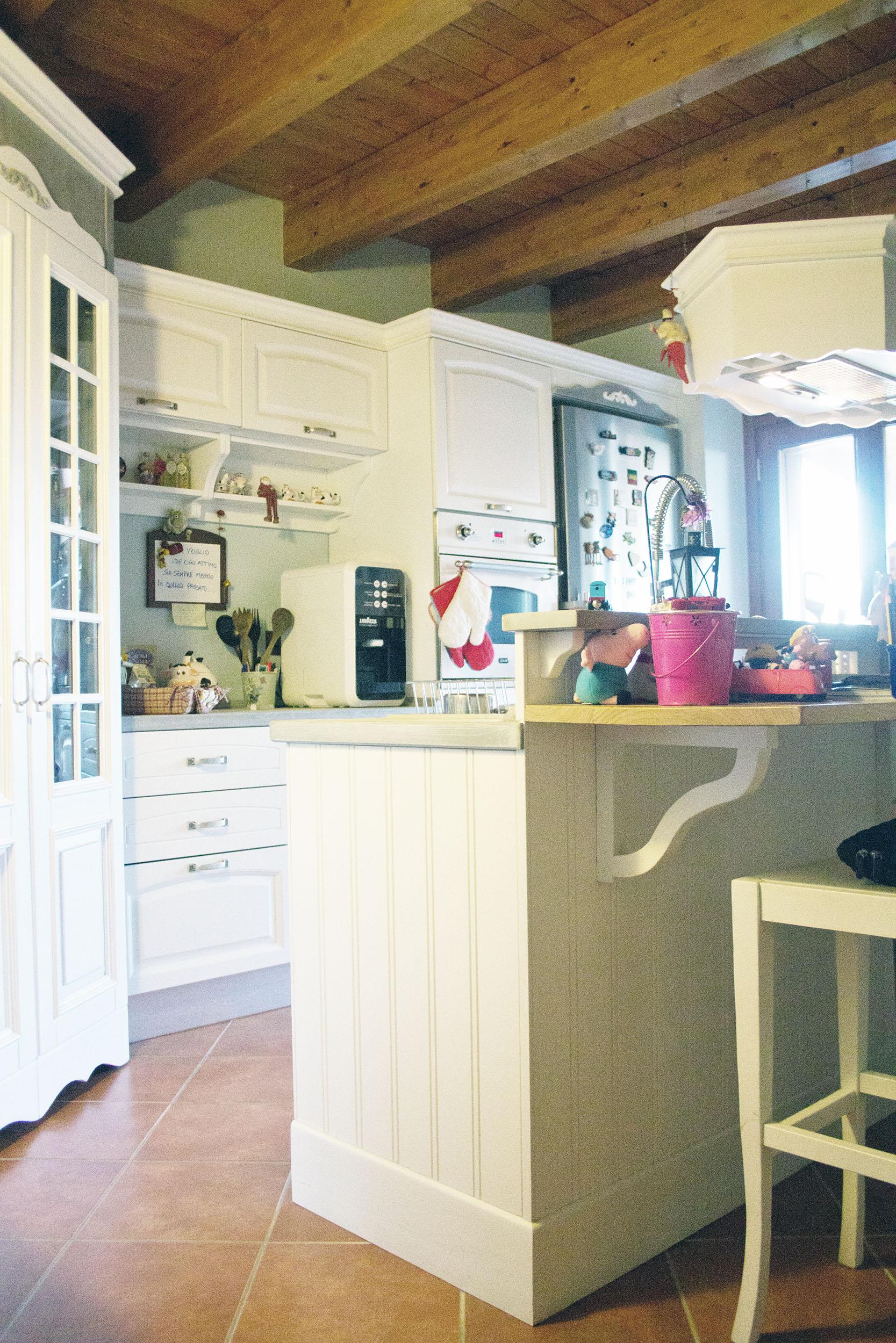 cucina su misura stile shabby chic falegnameria roma 2