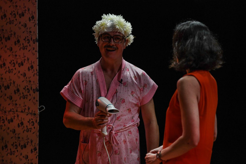 The Theatre Factory-Production-Couple ouvert a deux battants