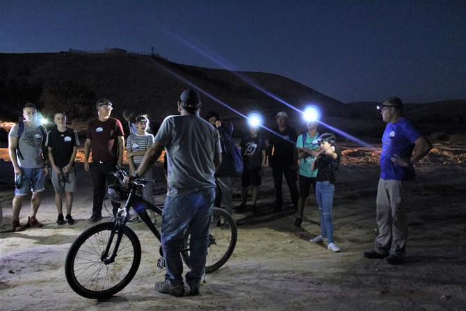 טיולי אופניים לאור ירח לקבוצות